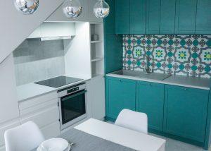 Tetőtéri konyha modern kivitelben