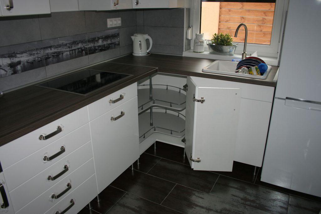 Letisztult konyha – fehér színben